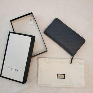 NEW! Dark Blue Gucci GG Signature Wallet